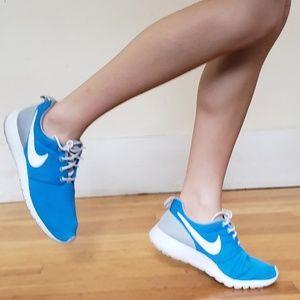 Nike Roshe One (GS) Running Shoes